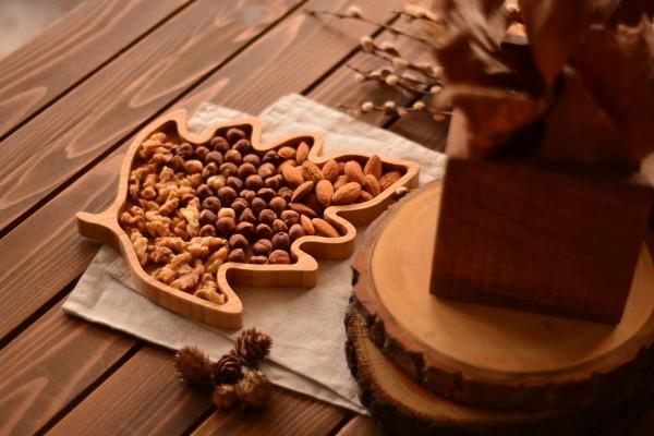 Lify- Kiefernblatt Snack Teller, braun